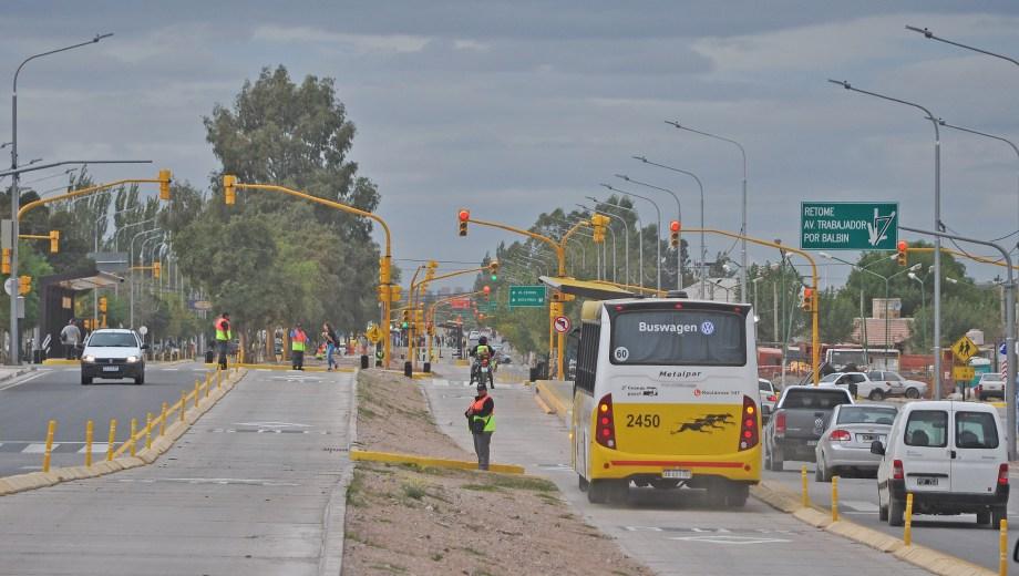 Un informe detalla varios puntos de conflicto del novedoso sistema de transporte público. (Foto: Archivo/ Juan Thomes.-)