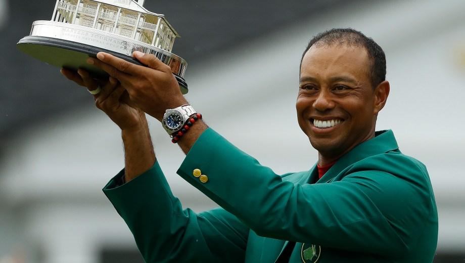 Tiger, con la famosa chaqueta verde del Másters de Augusta. (AP Photo/Matt Slocum) Masters Golf