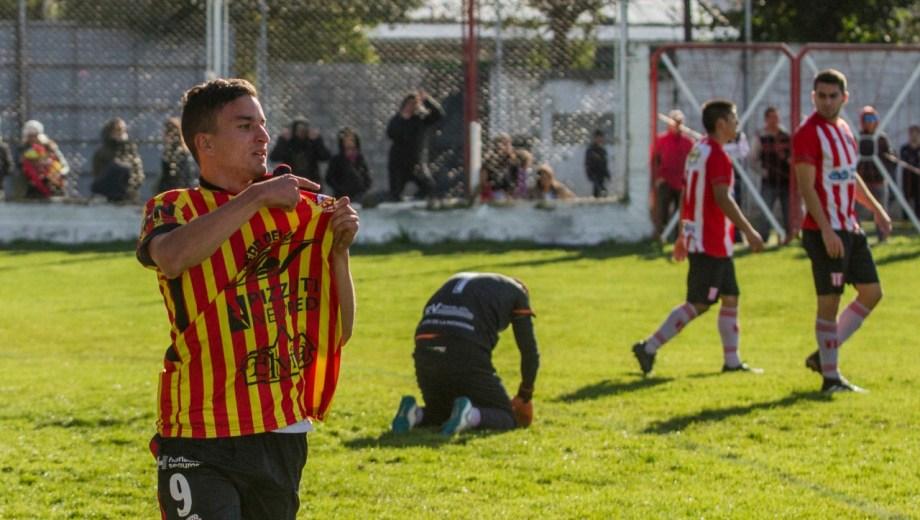 Cruz del Sur venció por 5 a 0 a Estudiantes y se quedó con el clásico. (Gentileza prensa Cruz del Sur)
