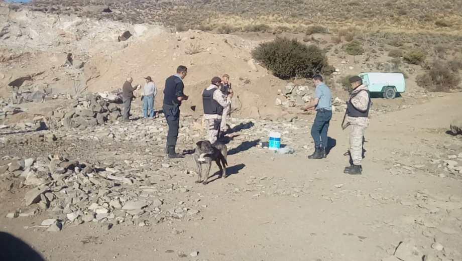 La Policía detectó una cantera ilegal en la que usaban explosivos. (Gentileza)