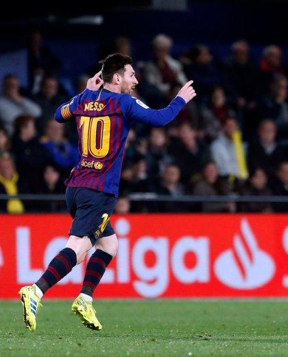 Lio convirtió su sexto gol de tiro libre en el campeonato. (@FCBarcelona_es)