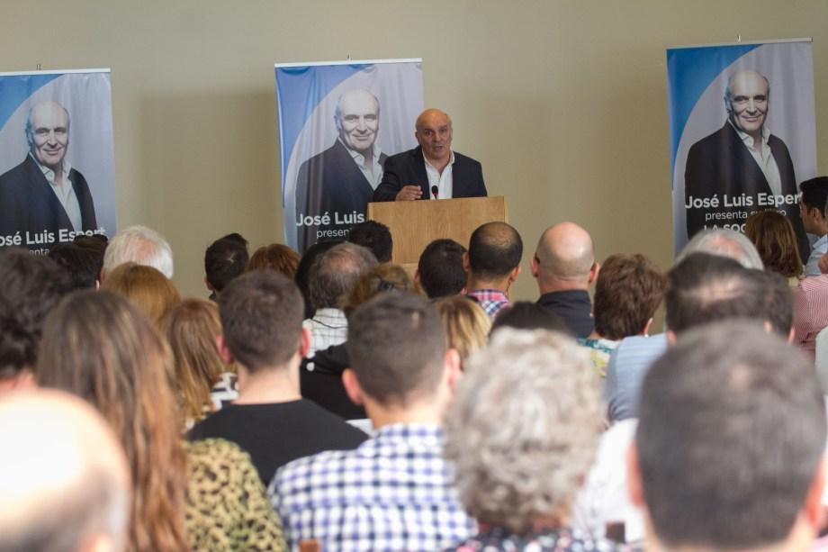 El candidato presidencial presentó su reciente libro. Fotos: Pablo Leguizamón.