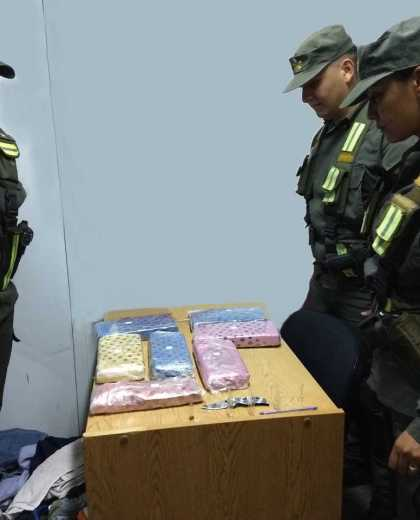 La droga estaba oculta dentro de una mochila. (Gentileza)