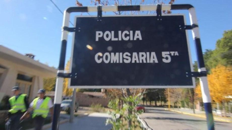 Se hicieron pasar por clientes y robaron una barbería en Centenario. Personal de la Comisaría Quinta investiga el hecho. (Foto: Archivo.-)