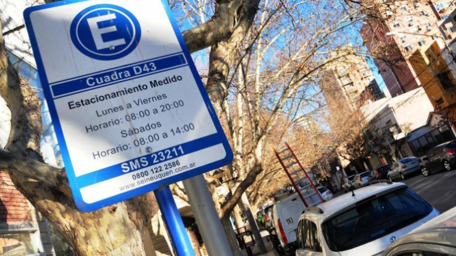 El asueto municipal no abarca el estacionamiento medido y pago, que se cobra como es habitual. (Archivo).-
