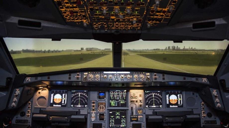 En Ezeiza hay un simulador que permite ayudar a los que tienen miedo a volar. (Foto: Gentileza)