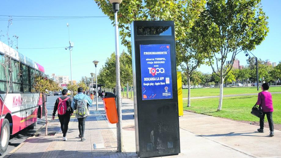 Cinco totems funcionarán en la zona céntrica. (Foto: Mauro Pérez)