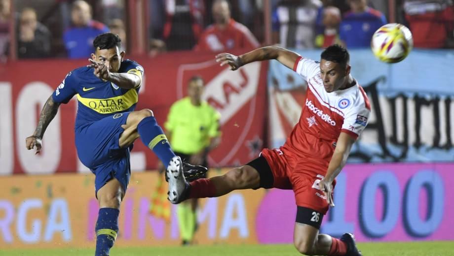 Carlos Tevez fue de lo mejor de Boca en los primeros 45 minutos.