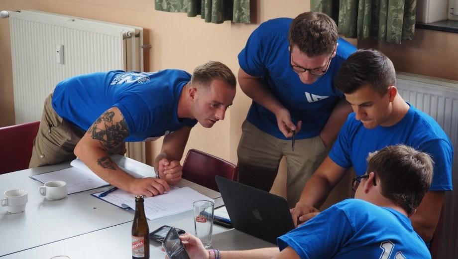 En Bélgica, el partido de ultraderecha Vlaams Belang cuenta con referentes jóvenes, como Dries Van Langenhove, de sólo 26 años. (Foto gentileza)
