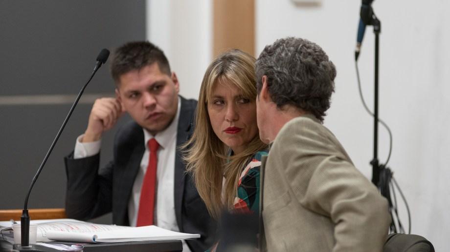 La fiscal Betiana Cendón junto a Martín Lozada y Marcos Sosa Lukman (fiscal adjunto).  (Archivo)