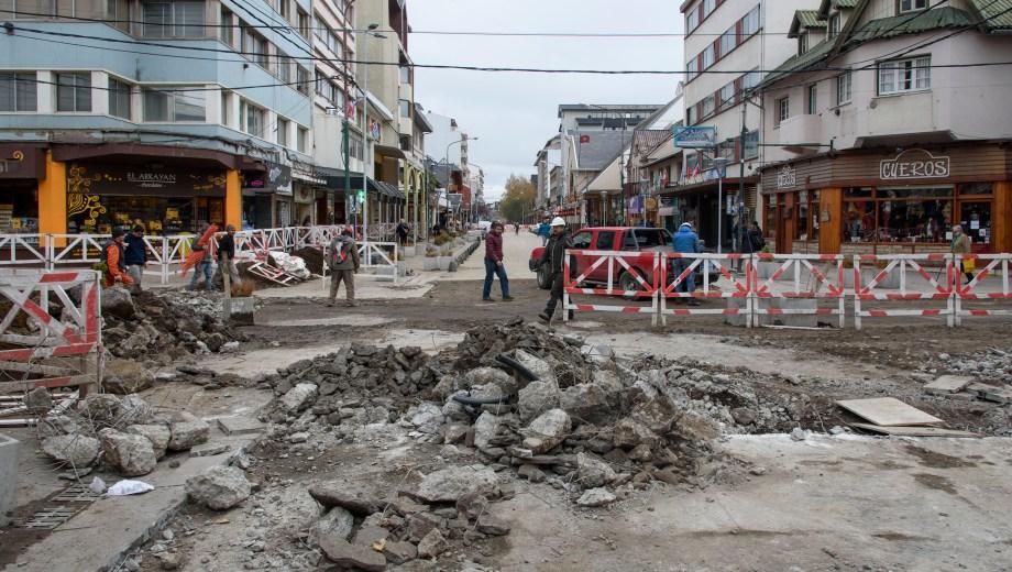 La esquina de Mitre y Palacios parece parte de una ciudad bombardeada. Foto: Marcelo Martinez