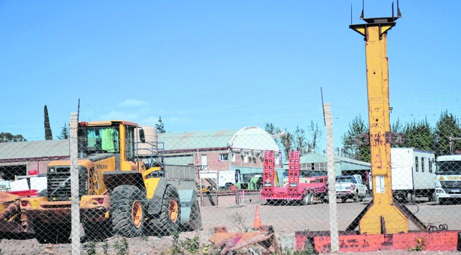 El gobierno quiere que las empresas no neuquinas tengan una oficina en el Parque Industrial de Neuquén.