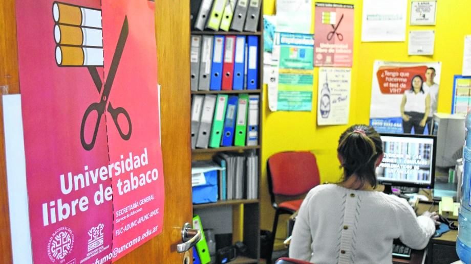 Una de las conductas sobre las que trabajan es la justificación de las situaciones de adicción. (Foto: Florencia Salto)