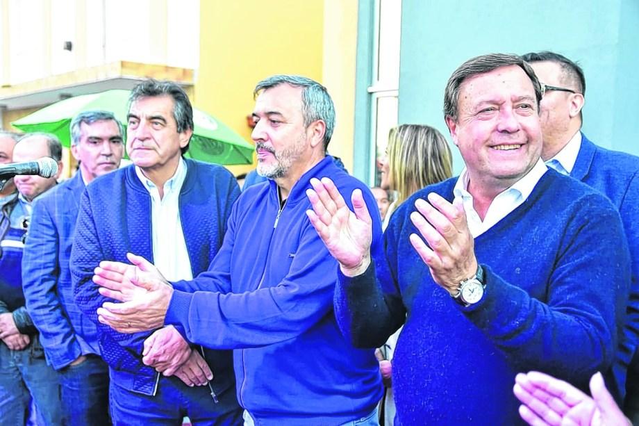 Aguiar y Weretilneck en la inauguración de la sede gremial en Viedma. Asistió también el titular de ATE Nación, Hugo Godoy.