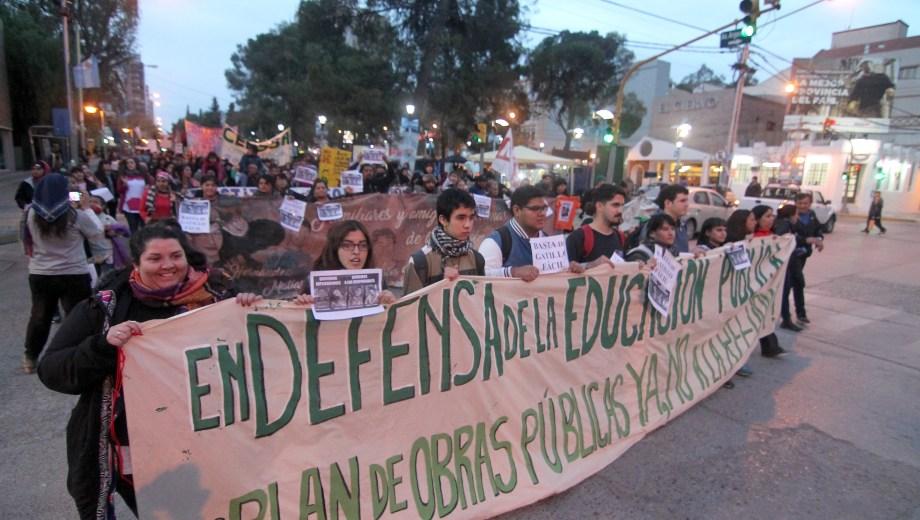 La marcha por la educación pública. Foto: Oscar Livera