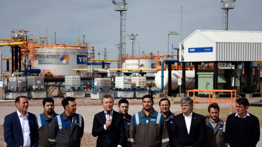 La última vez que el mandatario estuvo en Loma Campana fue el 28 de agosto del 2018 y el secretario de Energía era Javier Iguacel. Foto: archivo