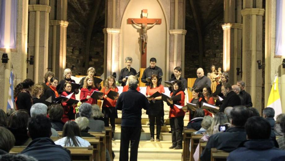 En la iglesia Catedral, habrá un concierto de coros. Foto: archivo