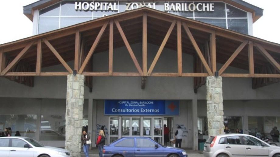 En el hospital Ramón Carrillo de Bariloche  a partir de ahora se entregan turnos por teléfono o whatsapp.