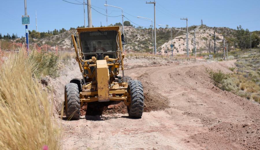 24/01/2019 - ag nqn - El municipio comenzó las obras en la meseta por la avenida de los ríos - salto