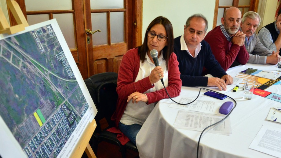viedma - 30/04/2019 la municipalidad de viedma cedio dos zonas de lotes fiscales para la construccion de viviendas foto  marcelo ochoa