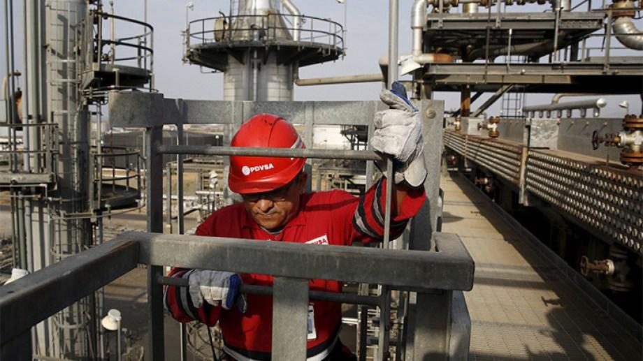 La compañía Rosneft PJSC va tras dos áreas offshore.