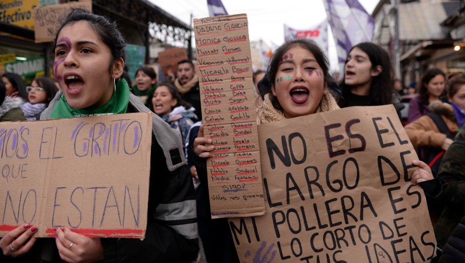 Multitudinarias Marchas Por Ni Una Menos En La Región