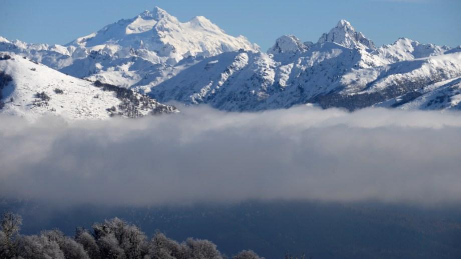 Las cumbres nevadas rodean a Bariloche. (Foto: Alfredo Leiva)