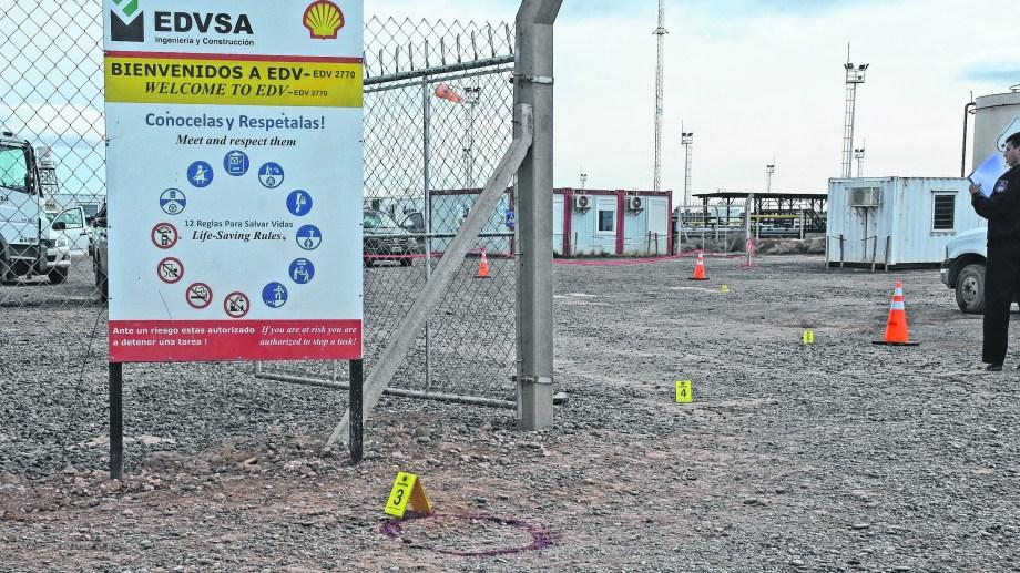 El lugar del ataque es un sector donde hay tanques que contienen hidrocarburos altamente inflamables.  Foto: Juan Thomes