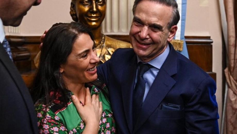 Lucila Crexell con Miguel Angel Pichetto a poco de que el senador rionegrino aceptara ir en la fórmula con Macri. Foto Gentileza prensa Lucila Crexell