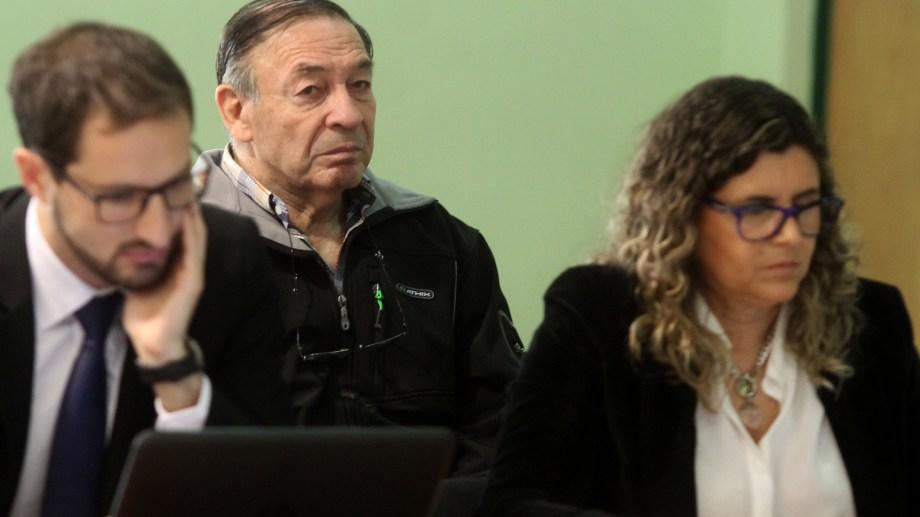 El suboficial de inteligencia Carlos Alberto Benavídez fue el único de los imputados que presenció el inicio en la sala de audiencias. Sólo está acusado por el secuestro de Juan Herman (Foto: Oscar Livera. Archivo)