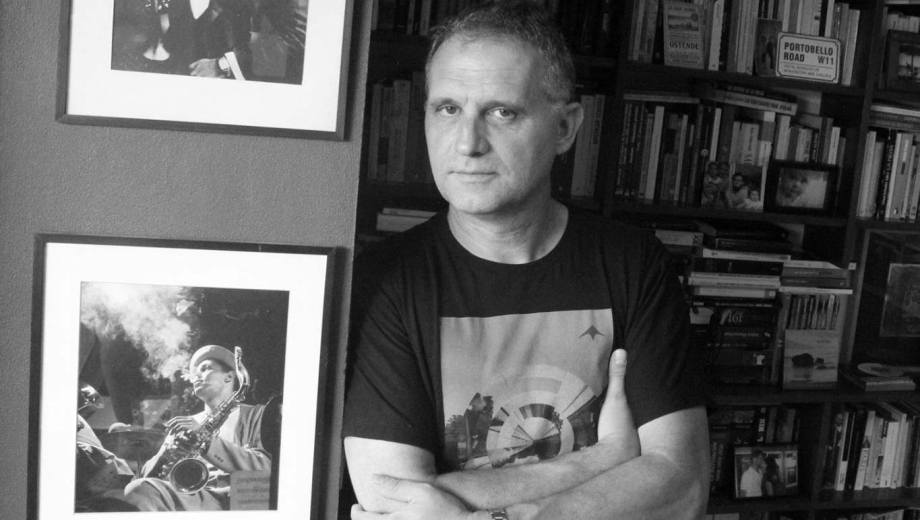 Sergio Pujol analiza la historia del rock argentino.