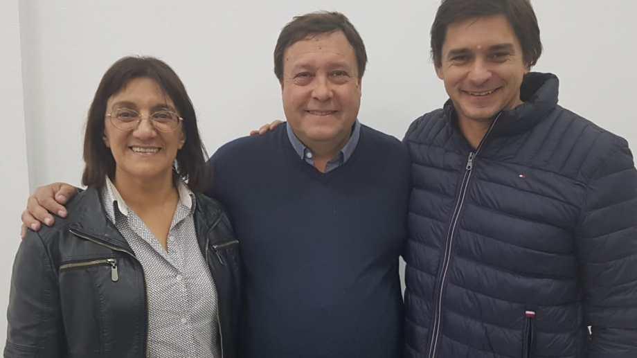 El gobernador junto a la ministra de Educación y el legislador barilochense.