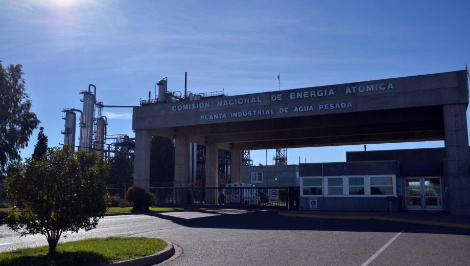 Los trabajadores tomaron pacíficamente el edificio administrativo de la PIAP. (Archivo Matías Subat).-