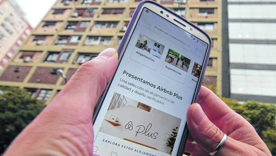 Los usuarios pueden chequear online la reputación del anfitrión. (Foto: Oscar Livera)