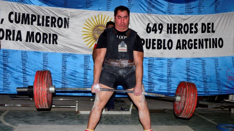 El huerguense, que compite para Neuquén, fue reconocido en su ciudad natal.