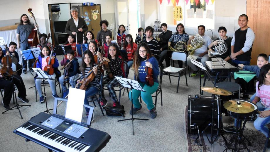 La orquesta nació en el 2013 y hoy cuenta con 100 alumnos. Foto: archivo