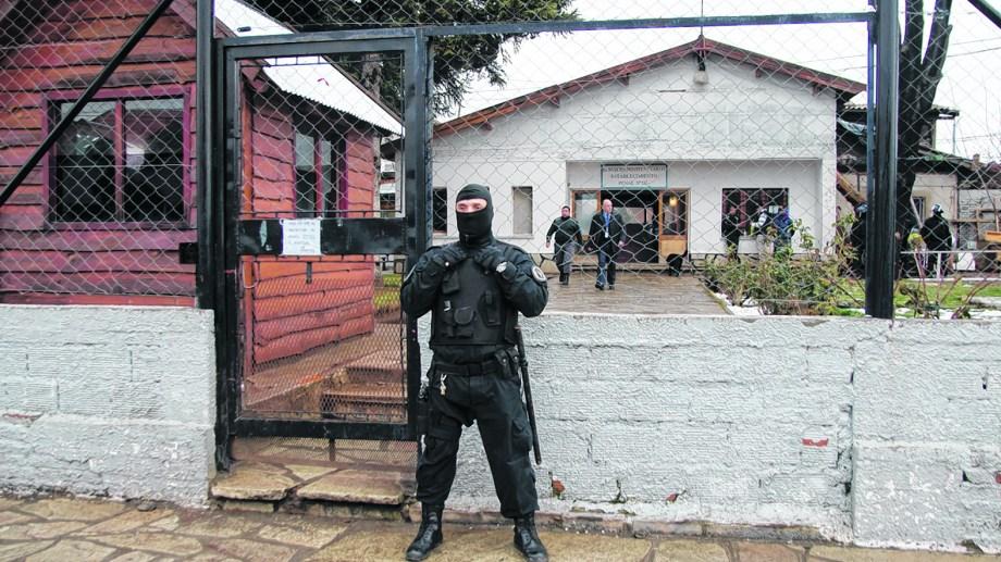 El pasado domingo, un grupo de internos manifestó en el Penal 3 de Bariloche. Foto: archivo