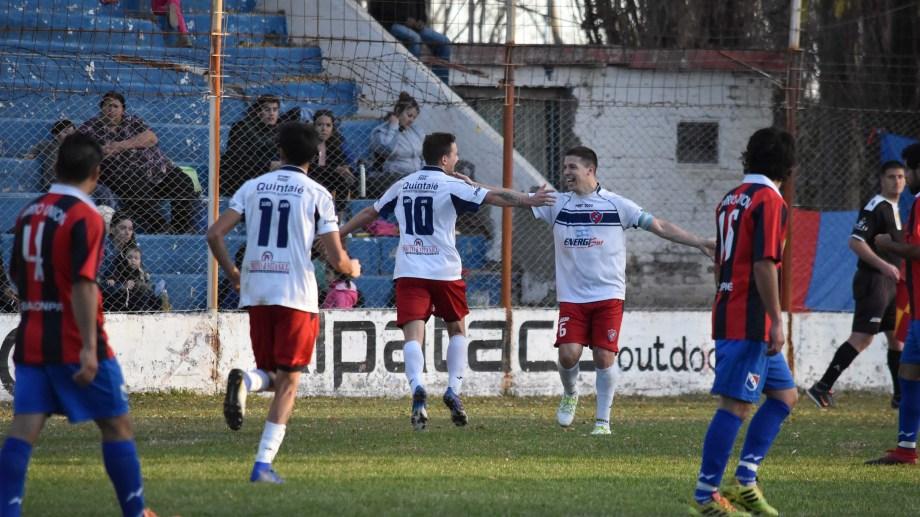 Independiente venció a Barrio Unión y se aleja en la punta. (Foto: Jorge Tanos)