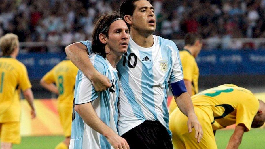 Messi, Riquelme y una sociedad con menos rodaje del merecido.