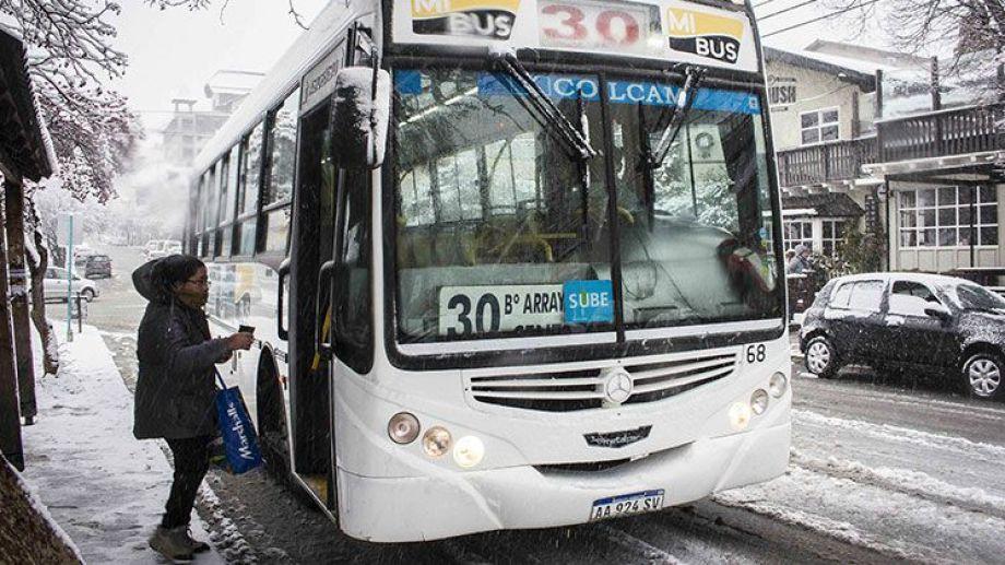 La empresa Mi Bus recibe ayuda de provincia, municipio y nación. (Archivo)