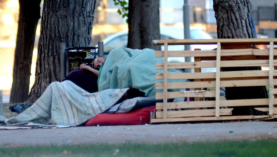 El relevamiento arrojó que hay, al menos, 21 personas en situación de calle en Neuquén. (Archivo Mauro Pérez).-
