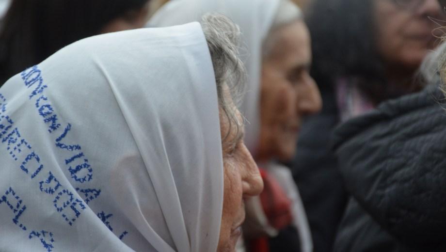 Las Madres de Plaza de Mayo de Neuquén criticaron el Servicio Cívico Voluntario. (Foto archivo: Yamil Regules)