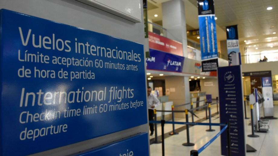 A partir del sábado no habrá vuelos provenientes de Brasil, México y Chile.