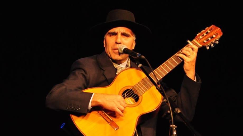 Carlos Marchesini, padrino artístico de muchos payadores de la región.
