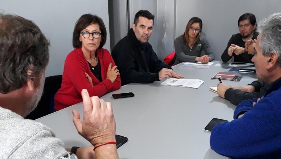La candidata a senadora dio a conocer la situación del personal de la AIC. Foto prensa Darío Martínez