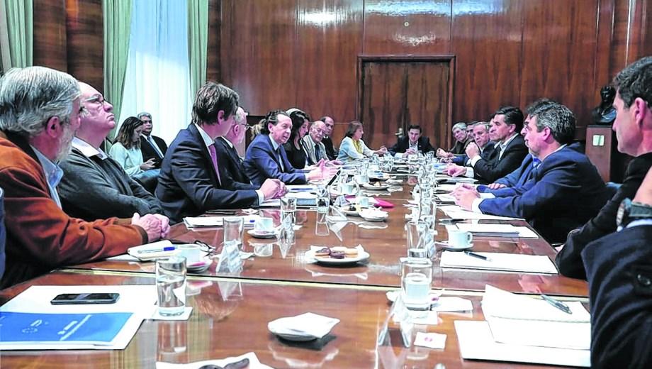 Reunión. Sica con ministros de casi todos los distritos.