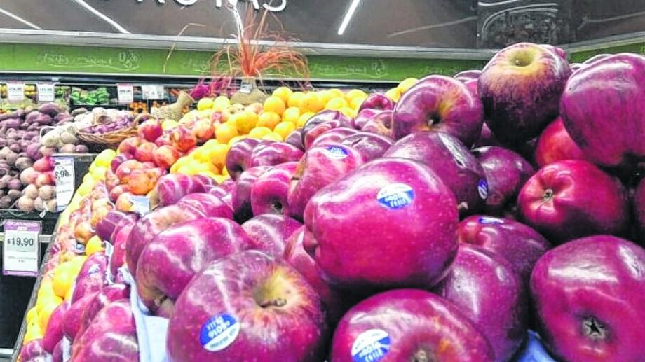 Preocupa la caída en el nivel de ventas que esta registrando la manzana.