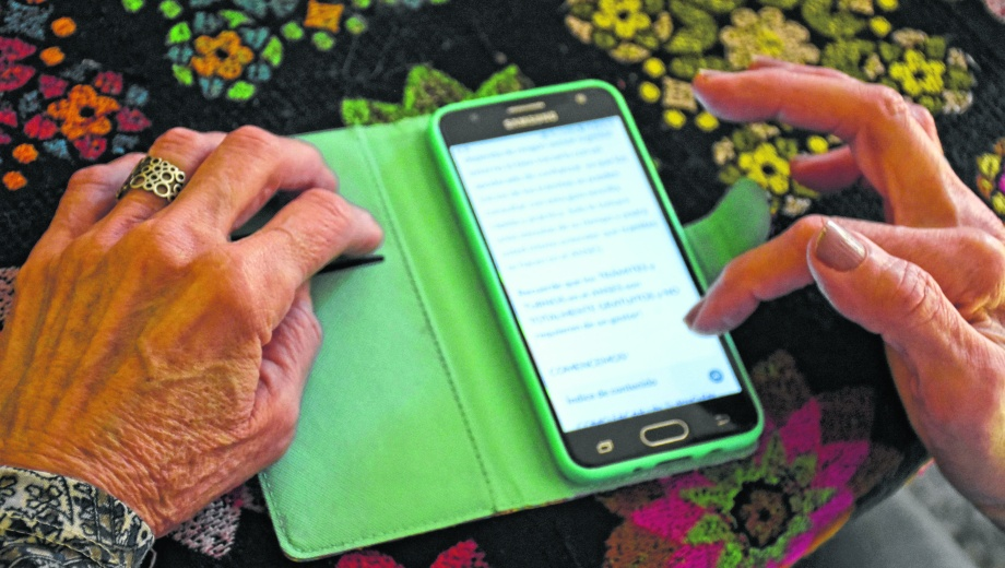 El uso de las tecnologías es bajo entre los mayores de 60 años (Foto: Florencia Salto)