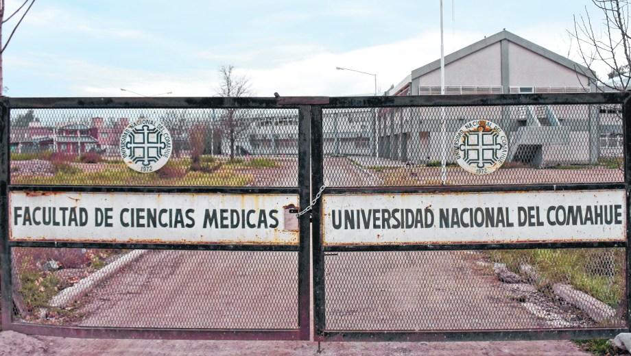 El edificio nuevo de la Facultad de Medicina, en obra (Foto: Florencia Salto)