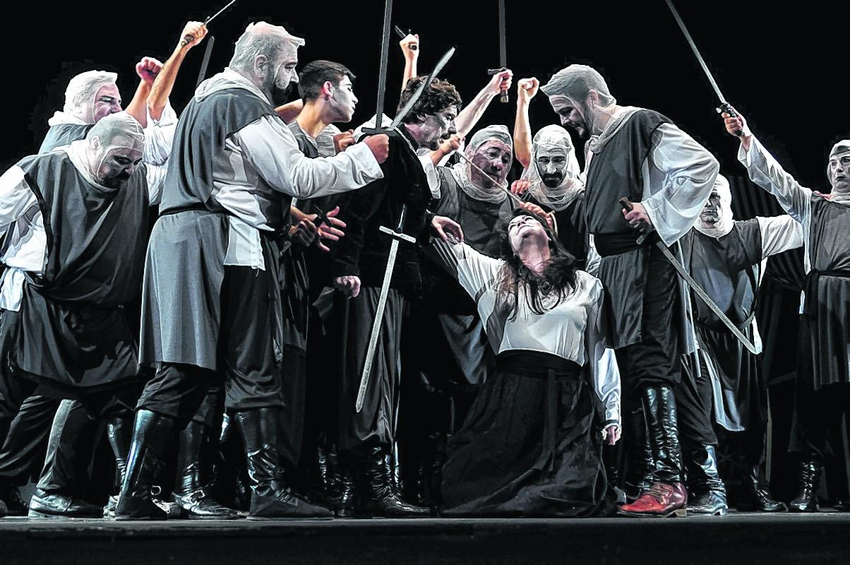 """""""Es una ópera basada en una venganza que pasa en el medioevo, en el 1300', explicaron."""